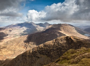 From the slops of Mullach an Attinn looking east towards the mighty McGillycuddy Reeks.